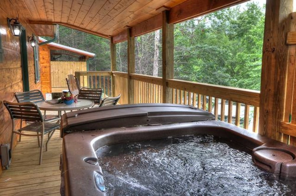 4 of our best 1 bedroom cabins in gatlinburg for your Gatlinburg Romantic Cabins