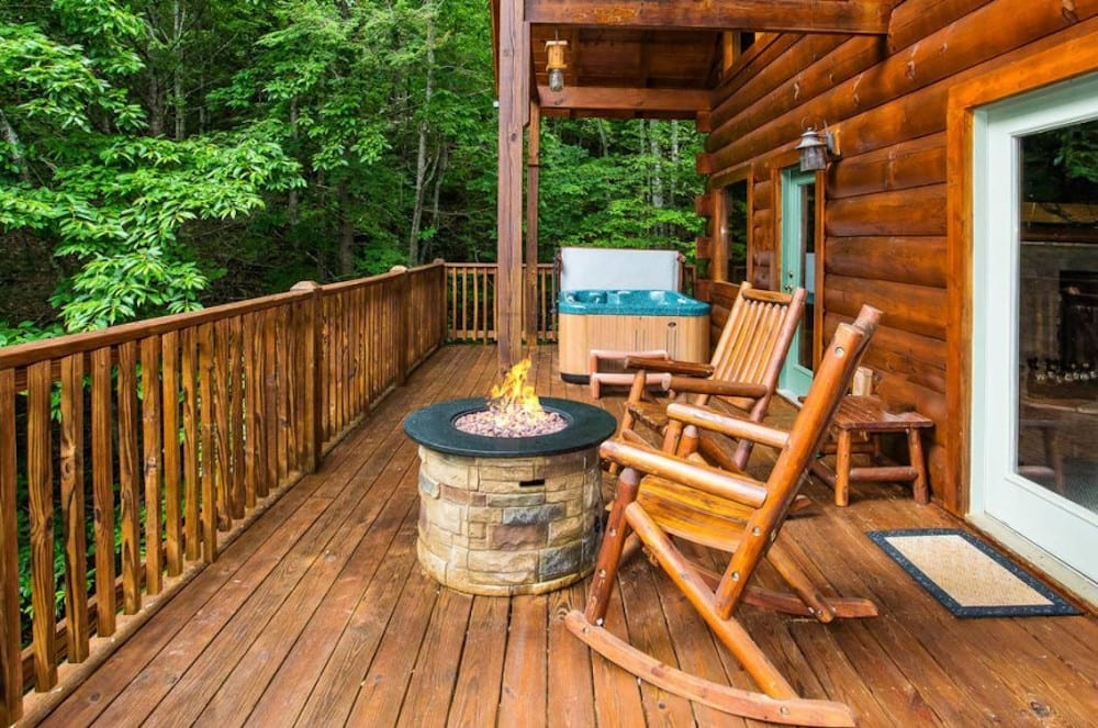 4 secluded cabins in pigeon forge and gatlinburg for a Gatlinburg Secluded Cabins