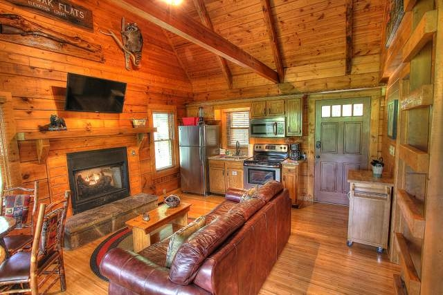 6 gorgeous couples cabins in gatlinburg tn you will love Cabins In Tennessee Gatlinburg