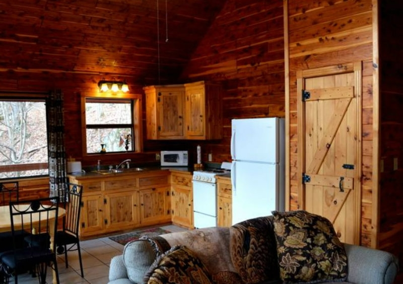 8 amazing tree houses you can stay in near st louis Cabins Near St Louis