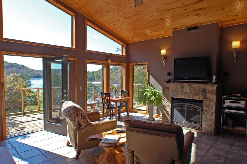 beaver lakefront cabin upscale secluded luxury updated Cabins Eureka Springs