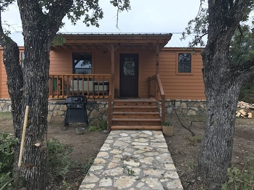best cabins in glen rose for 2019 find cheap 61 cabins Glen Rose Texas Cabins