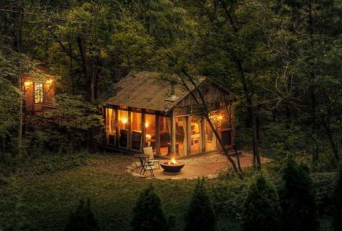 best romantic getaways vacations for couples near chicago Cabins Near Chicago