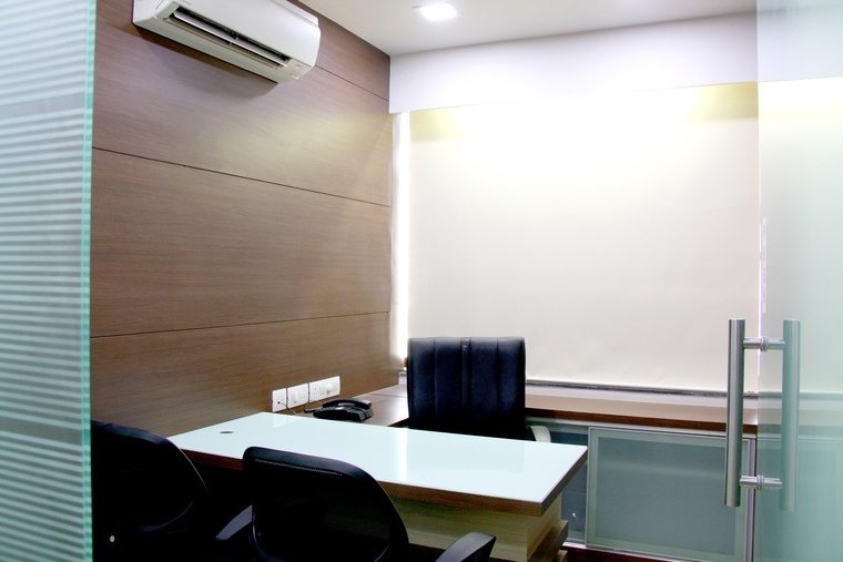 cabin in ahmedabad prahladnagar is avilable on daily basis Small Office Cabin