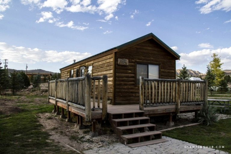 comfortable camping cabin with a deck near flaming gorge dam in utah Flaming Gorge Cabins