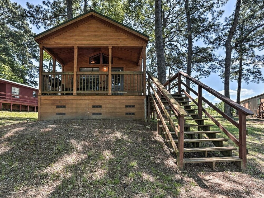 cozy milam red fox cabin wporch on toledo bend in Cabins On Toledo Bend