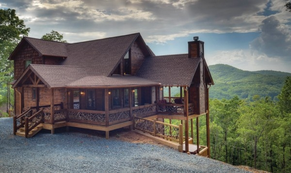 fall in love with mountain top cabin rentals appalachian North Georgia Cabins