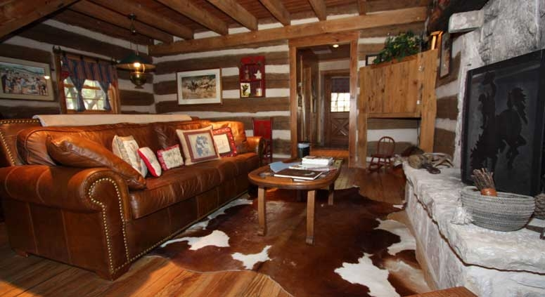 happy trails log cabin lodging in fredericksburg tx Log Cabins Fredericksburg Tx