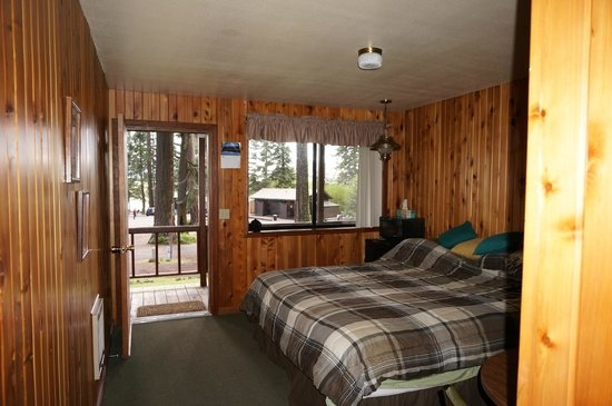 inside cabin picture of rocky point resort klamath falls Rocky Point Cabins
