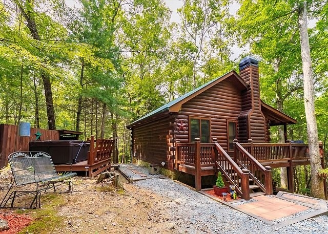 knotty pines cabin rental in cherry log ga minutes from Cherry Log Cabin Rentals