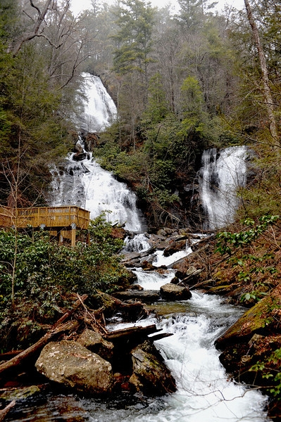 local activities rustic country cabins vacation cabin Ruby Falls Cabins