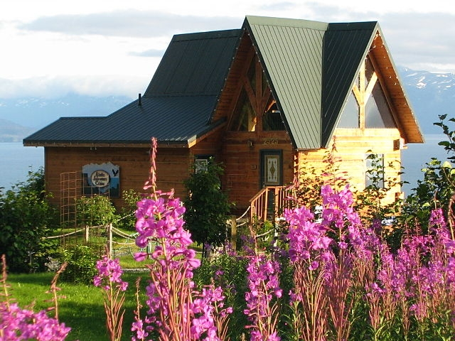 log cabins and vacation rentals overlooking kachemak bay in Alaska Adventure Cabins