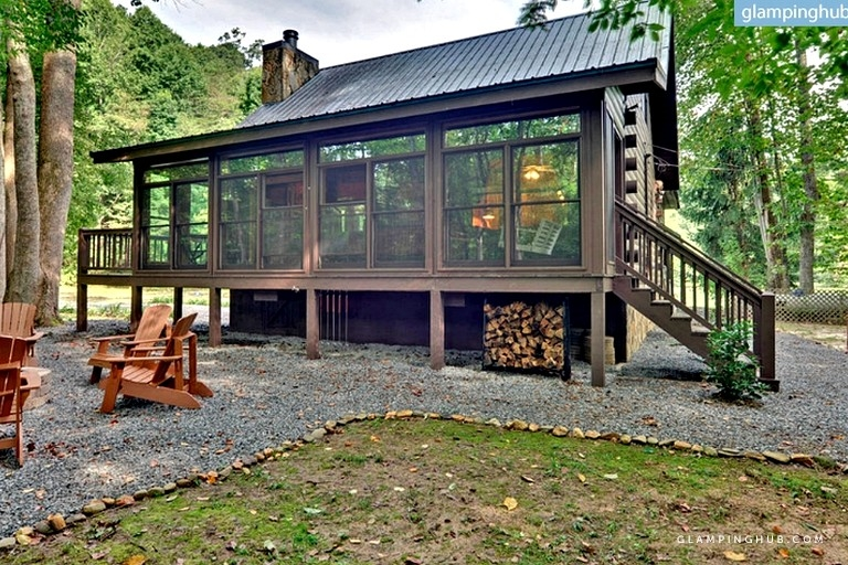 luxurious log cabin rental with a fishing pond in cherry log georgia Cherry Log Ga Cabin Rentals