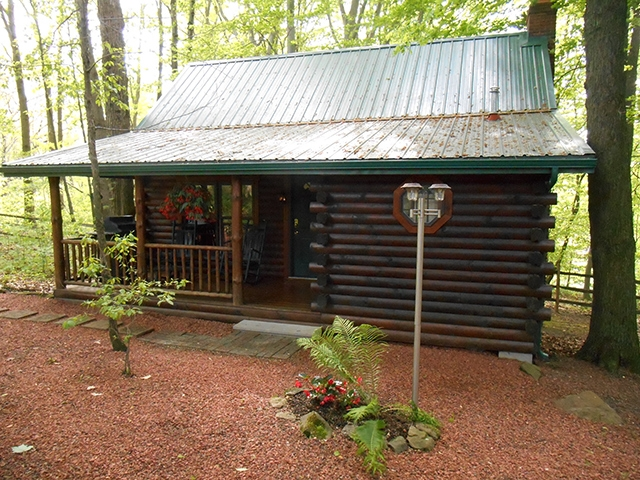 luxury log cabin with jacuzzi in ohio amish country cabins Cabins In Millersburg Ohio