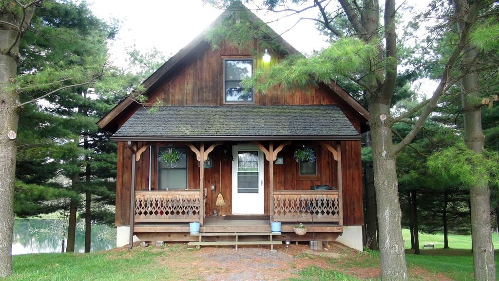 minutes from deep creek lake located on 40 acre farm with private 2 acre lake accident Cabins In Deep Creek Md