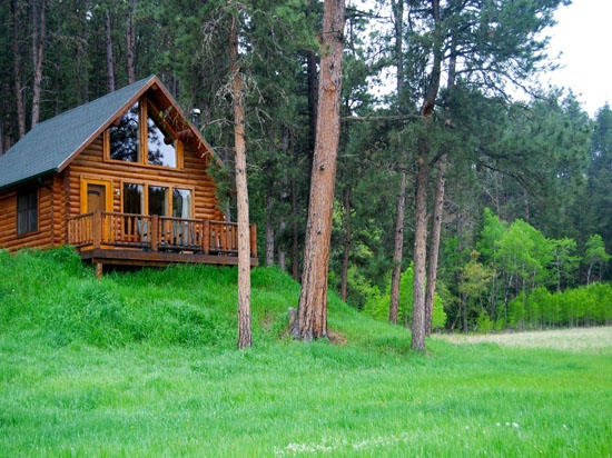 newton fork ranch well appointed fully furnished black South Dakota Cabins