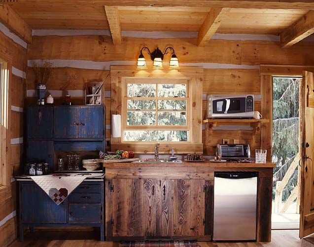 rustic cabin kitchens tiny cabin kitchen e1290575405971 Small Log Cabin Kitchens