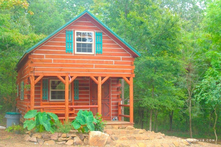 serene two story log cabin near shawnee national forest illinois Shawnee Forest Cabins
