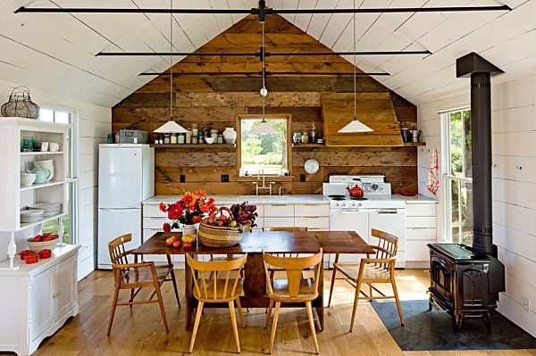 small cabin decorating ideas and inspiration cabin tiny Cabin Decorating Ideas