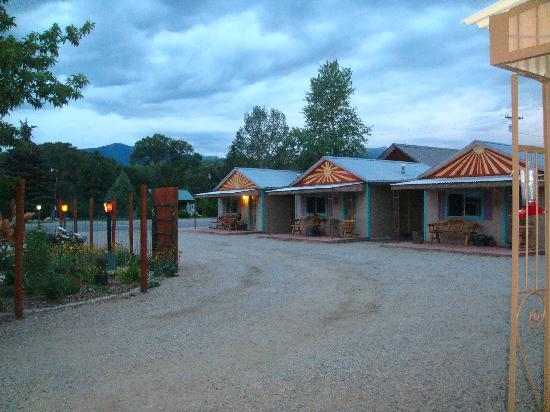 sunset at pinon court cabins picture of pinon court cabins Pinon Court Cabins