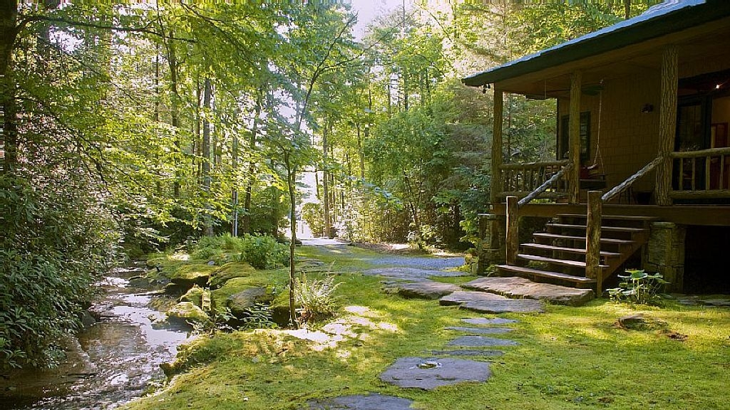 vrbo 842559 secluded luxury waterfall cabin Secluded Cabins In Nc