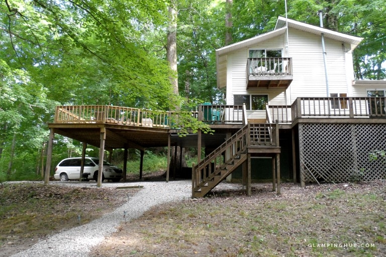 woodland cabin rental with expansive deck near columbus ohio Cabins Near Columbus Ohio