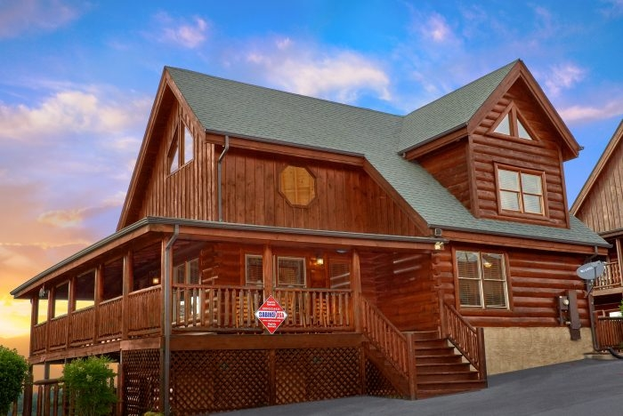bearly rustic 4 bedroom pigeon forge cabin with indoor 4 Bedroom Cabins In Gatlinburg