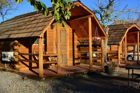 cabin at the koa cosy place to stay picture of lake Lake Isabella Cabins