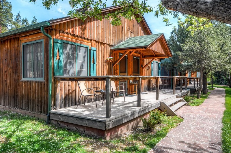 colorado bear creek cabin 6 has patio and central heating Bear Creek Cabins Evergreen Co