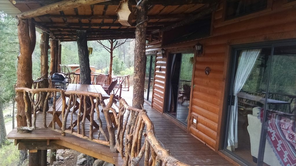 ian cabin at bottle house cabins alto Bottle House Cabins