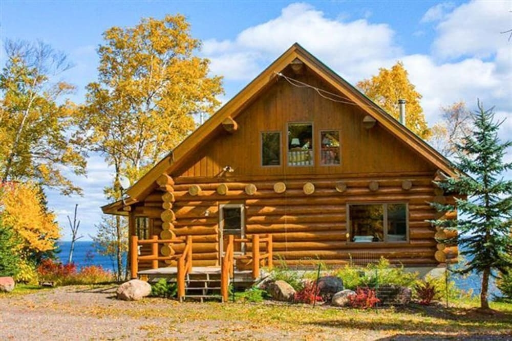 luxurious log cabin on lake superior in silver bay hotel Cabins On Lake Superior