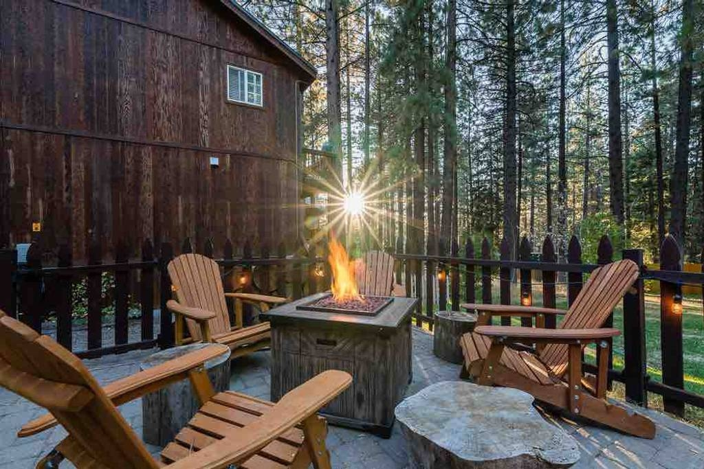 9 cozy south lake tahoe cabins to rent for your ski trip Cabin In South Lake Tahoe
