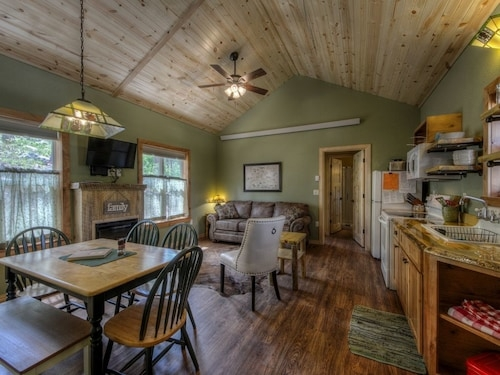 best cabins in mount rushmore for 2020 find cheap 39 Mt Rushmore Cabins