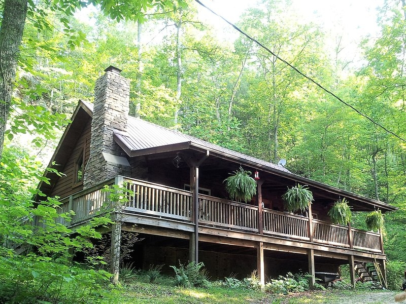 big rock log cabin pet friendly secluded at natural Pet Friendly Cabins In Kentucky
