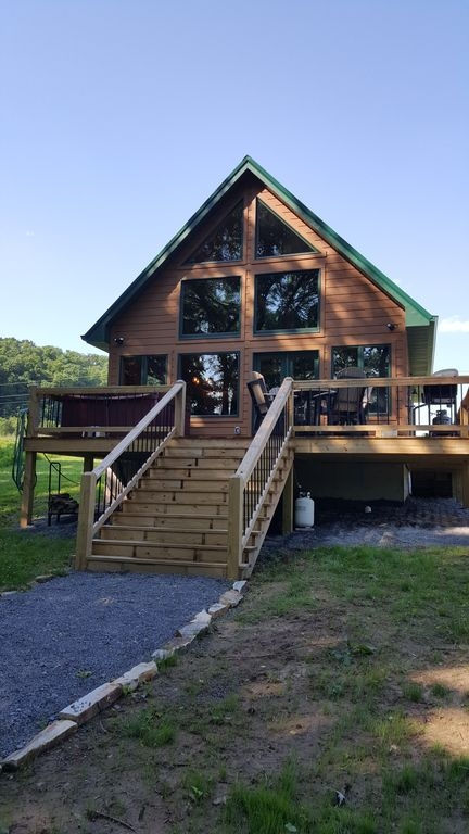 cabin on the cumberland river 8 miles from wolf creek dam boat ramp near jamestown Pet Friendly Cabins In Kentucky