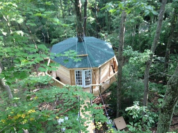 country road cabins has the perfect treehouse in west virginia Country Roads Cabins