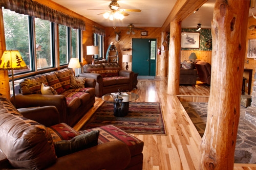 cross river lodge has lakeside cabins and a bed and Gunflint Trail Cabins