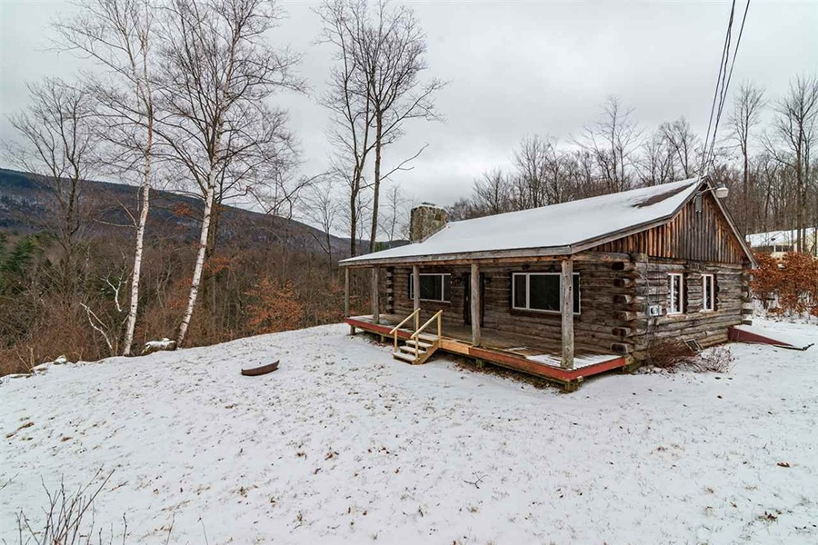 five adorable new england log cabins for less than 200000 Log Cabin Rentals New England