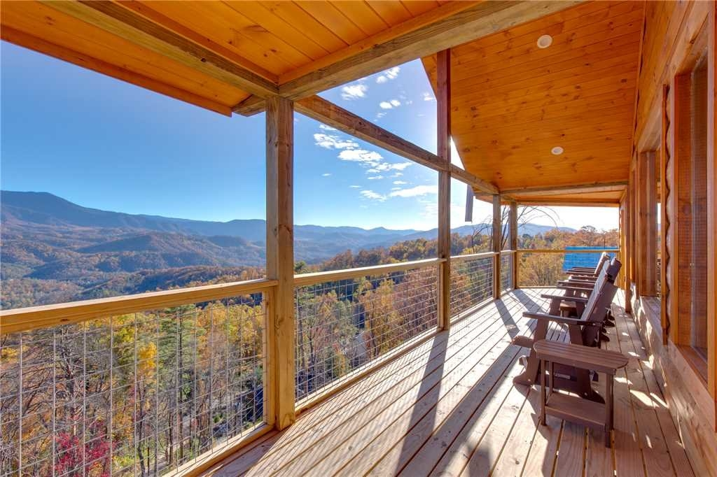 great smoky lodge in gatlinburg w 7 br sleeps20 Cabins In Smoky Mountains Tennessee