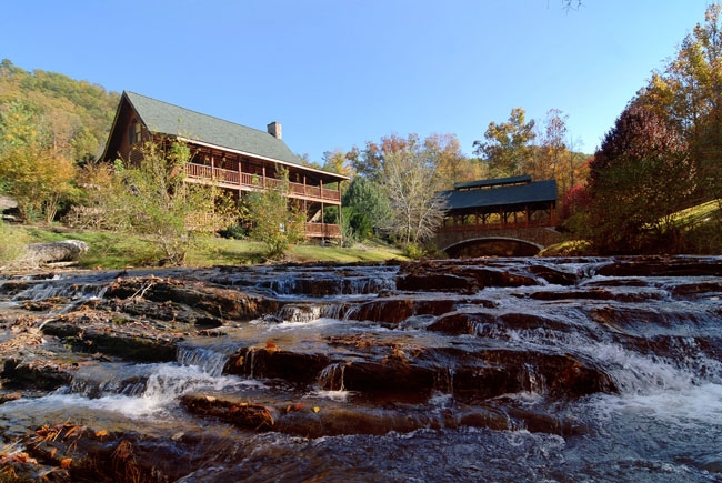 pigeon forge river cabin rentals chalets Mountain River Cabins