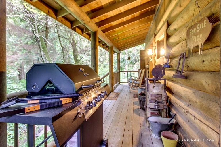 romantic cabin near deception pass state park on whidbey island washington Whidbey Island Cabins