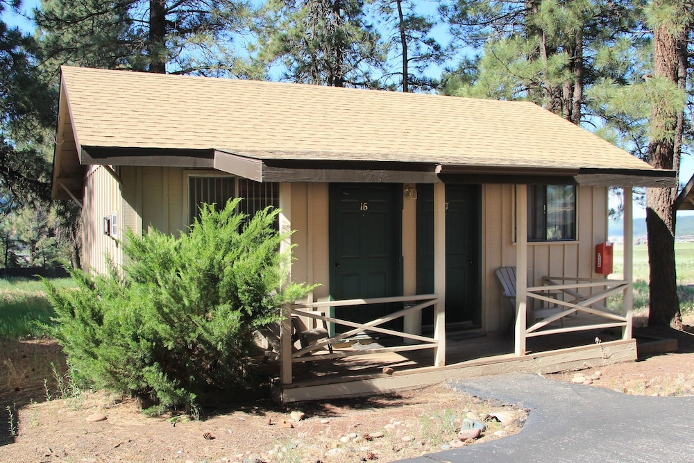 ski lift lodge cabins in grand canyon hotel rates Ski Lift Lodge And Cabins