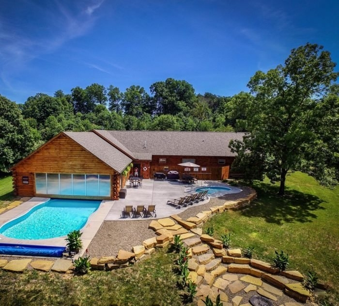stay in these ultimate cabins at the best getaway spot near Ohio Luxury Cabins