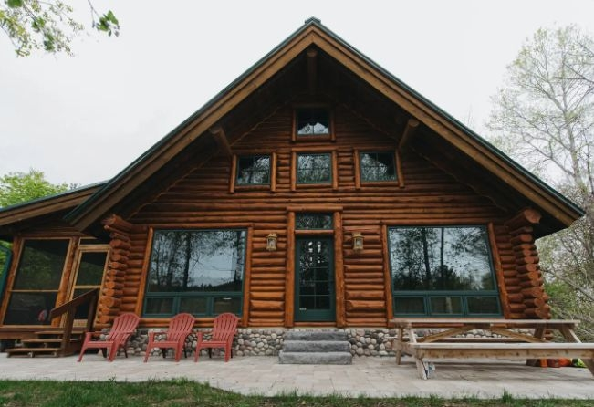 25 michigan cottages cabins and lodges to rent for a cozy Log Cabin Rentals Traverse City