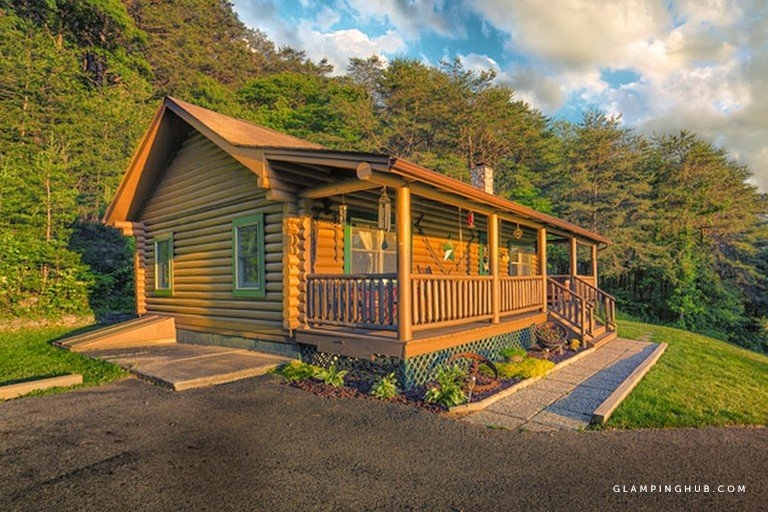 carefully crafted log cabin with a front porch near columbus ohio Cabins Columbus Ohio