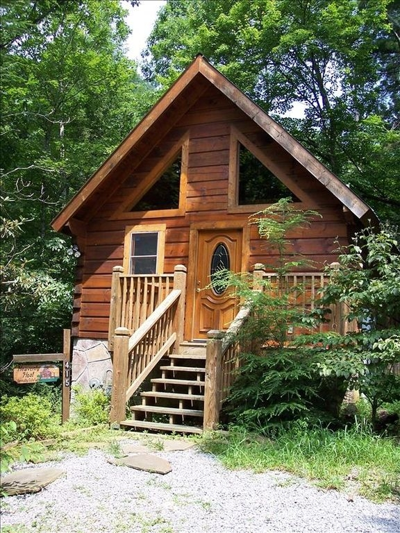 cozy romantic log cabin jacuzzi very private deck whot tub gatlinburg Brown County Cabins With Hot Tubs