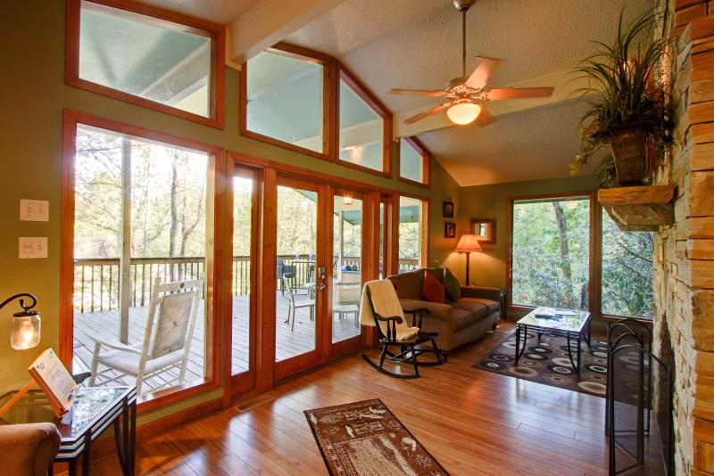 creekside cabin pet friendly cabin on the creek updated Pet Friendly Cabins In Tennessee