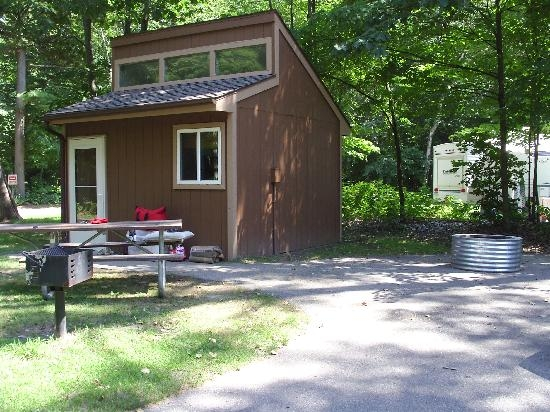 mini cabin 349 site picture of lakeport state park Michigan State Parks Cabins