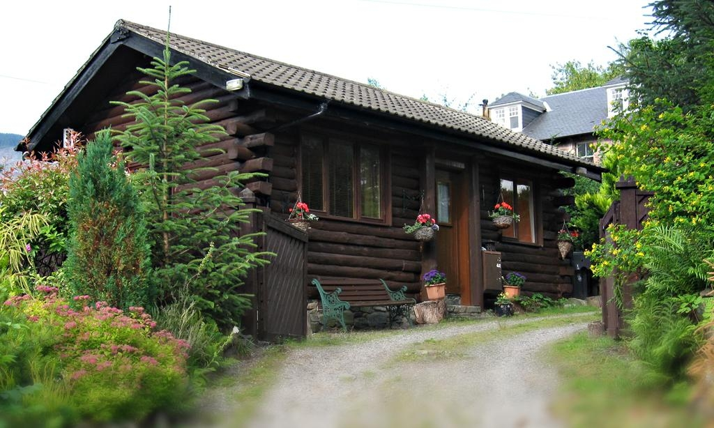 chalet an carraig log cabin strathyre uk booking Stirling University Log Cabins