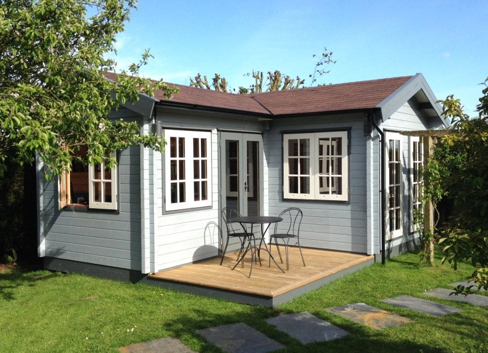 l shaped garden room with traditional georgian style windows L Shaped Garden Log Cabin